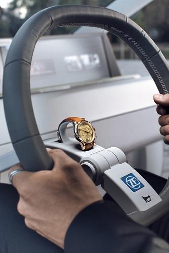Односпицевый руль с интегрированным распознаванием касаний