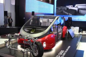 ZF представляет платформу для электромобиля Rinspeed «Oasis» с технологией интеллектуальных сетей