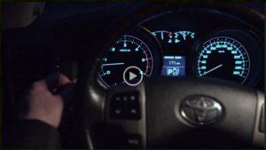 Видеообзор Philips Automotive о замене галогенных ламп в фарах ближнего и дальнего света