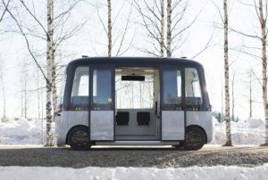 Nokian представляє перший в світі всепогодний робот-автобус на шинах Hakkapeliitta
