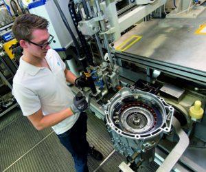 ZF подписал контракт с BMW на новую 8-ступенчатую автоматическую коробку передач
