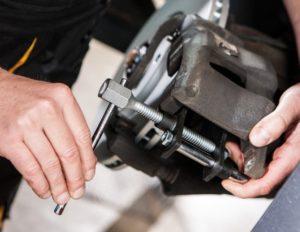 TEXTAR: Користування належним інструментом при ремонті гальм – запорука успіху!