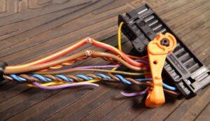 Діагностика та ремонт електричних компонентів автомобіля разом із febi